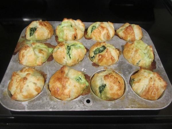 Spinach Puffs 010-02